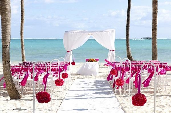 pink-barcelo-bavaro-palace-deluxe-wedding-wednesday-resized-600