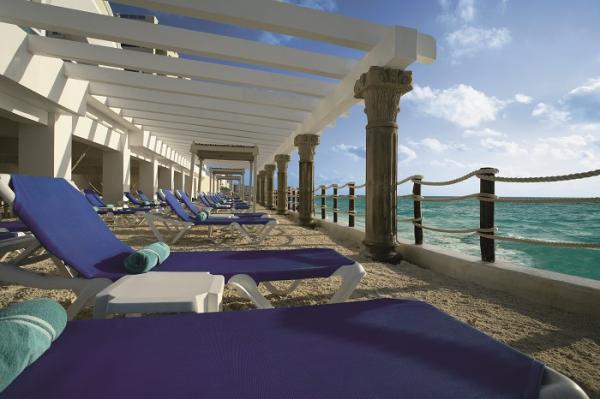 gcr-sun-beach-deck-oceanfront-resized-600