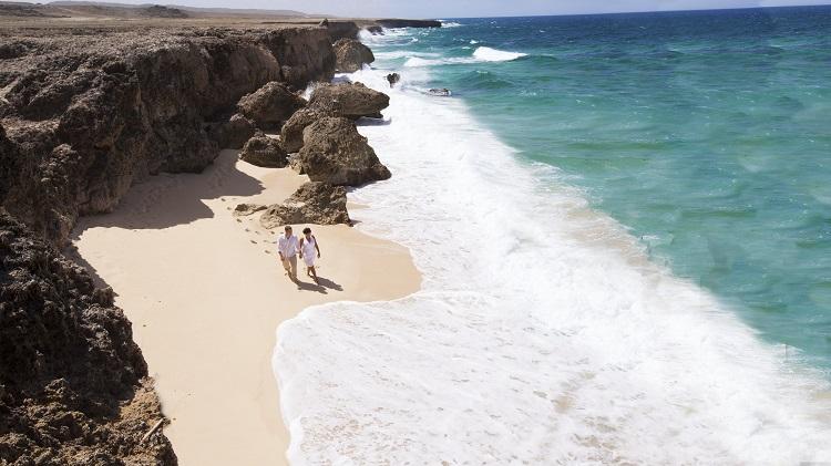 aruba_secret_beach-romance