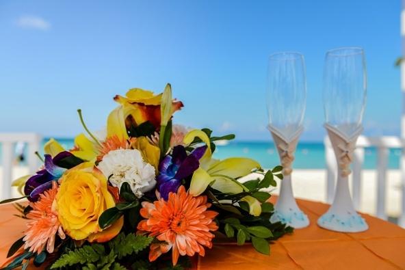 orange__champagne_flutes