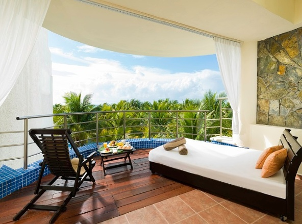 edm_honeymoon_royal_suite_621_room_view-2