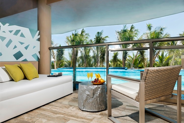 edss_oceanfront_swim-up_jacuzzi_suite_room_view