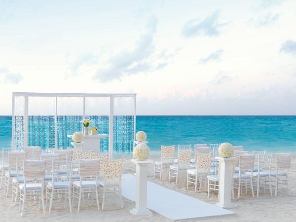 Hard Rock Hotel Cancun - Elegant Ivory