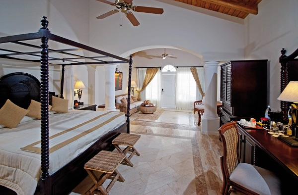 luxury_bahia_principe_cayo_levantado2_junior_suite_villa-resized-600