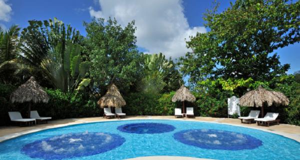 luxury_bahia_principe_cayo_levantado_pool-resized-600