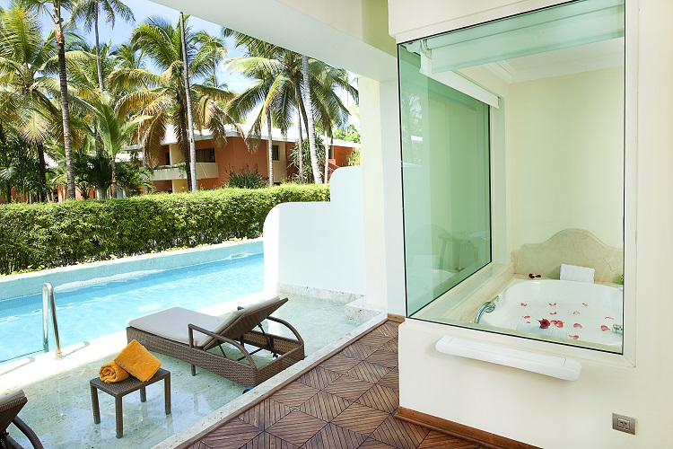 7 Resorts With The Best Swim Out Suites Destination