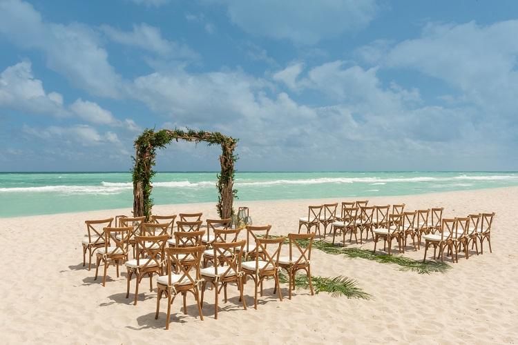 destination wedding in the US