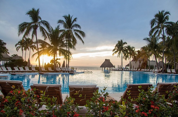 Grand Velas Riviera Nayarit honeymoons