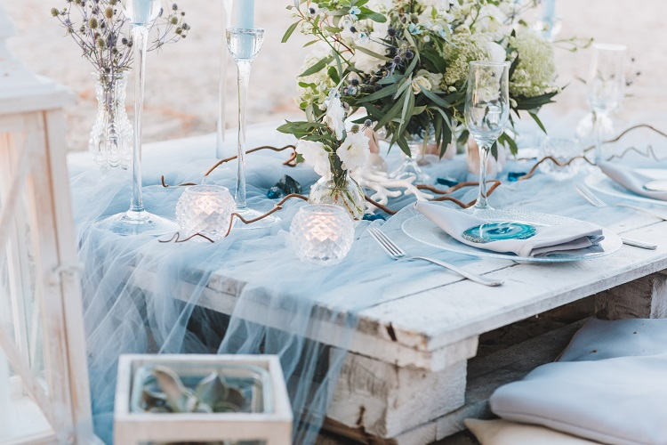 decor ideas for winter destination wedding