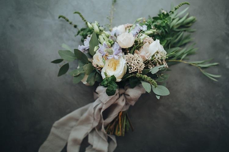 destination wedding bouquet trends