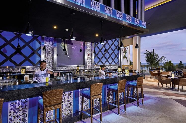 Lounge bar at Riu Palace Costa Mujeres in Mexico