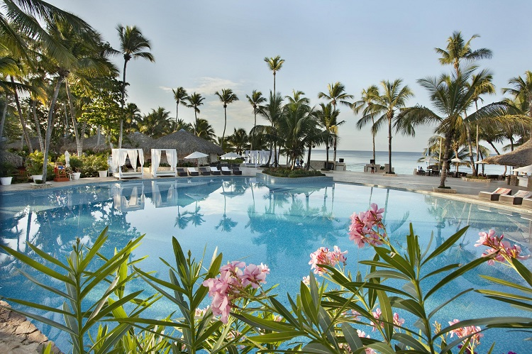 Swimming pool at Viva Wyndham Dominicus Beach in the Dominican Republic