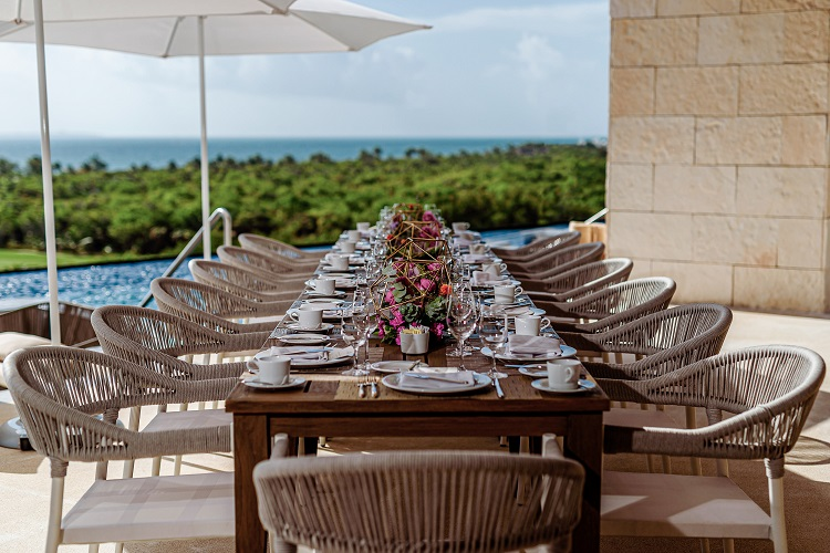 Destination Weddings at Oleo Cancun Playa
