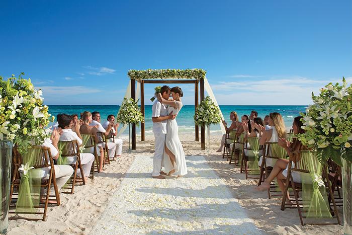 Weddings at AMResorts