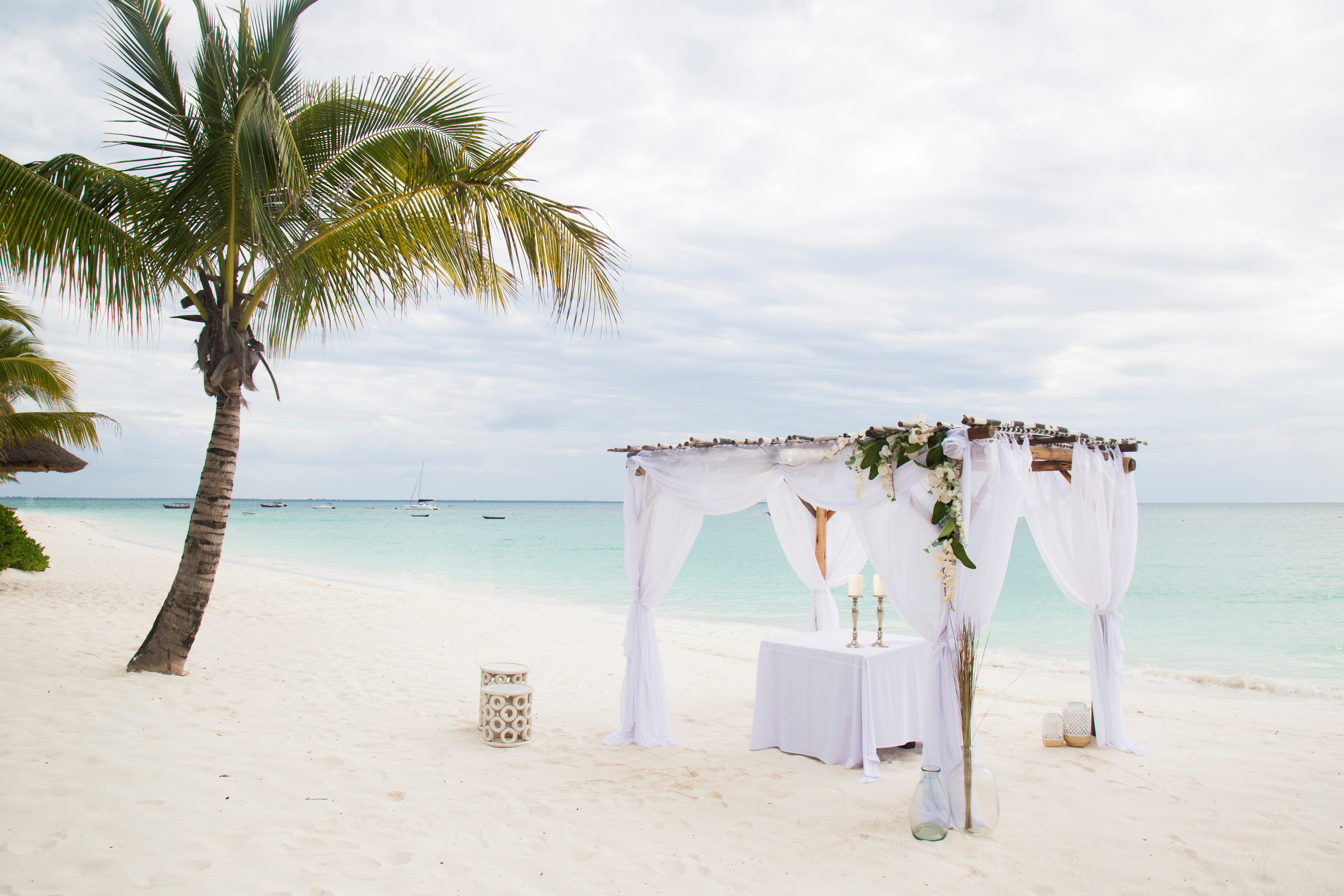 free destination wedding planner