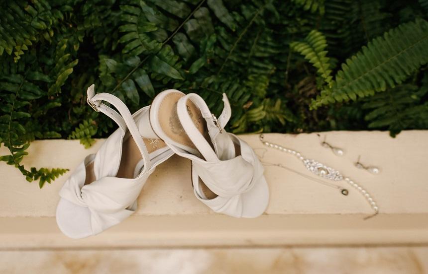 destination wedding shoes & jewelry